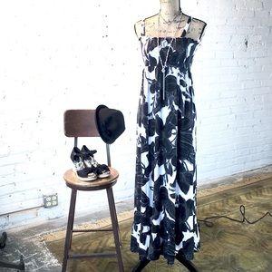 Maxi Black & White dress. Elastic bust band M